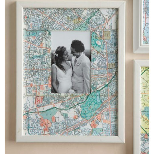 DIY recycle map as artwork - Map as frame mat