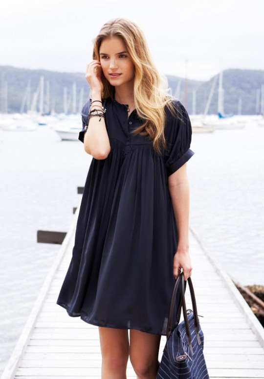 mom style inspiration - black dress