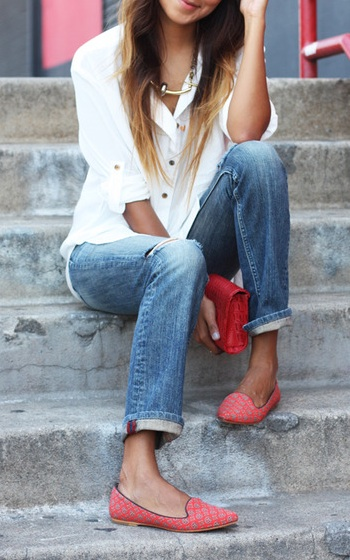 mom style inspiration - cuffed jeans, white button down, red shoes