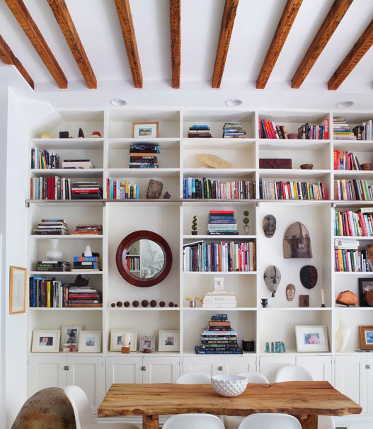 white built in bookshelves