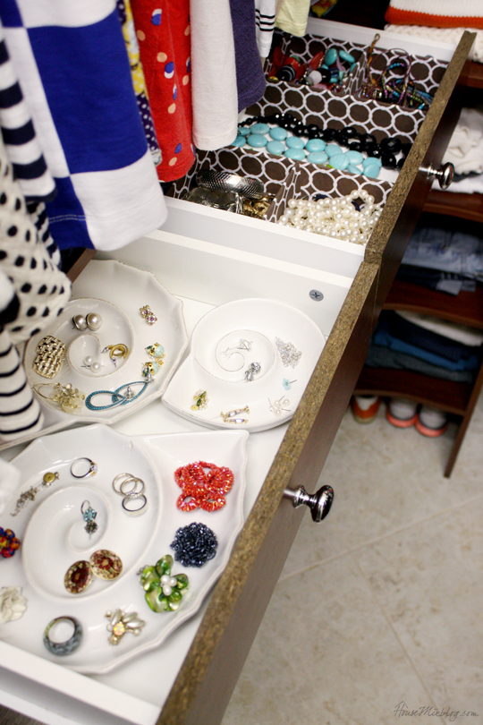 Use drawers to organize jewelry in closet