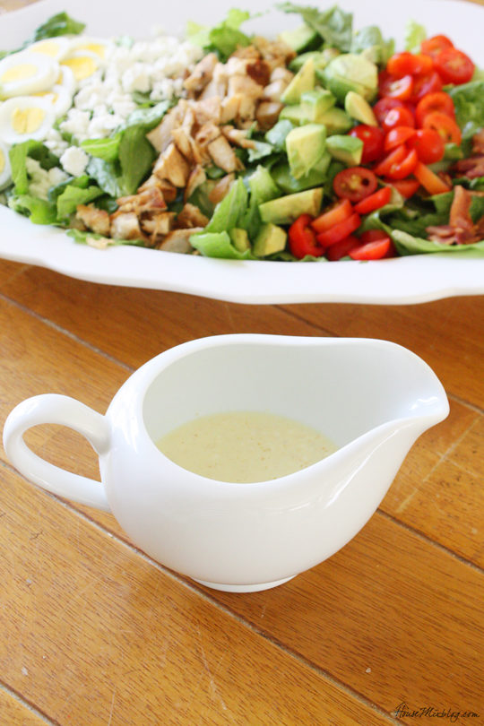 Simple lemon salad dressing with only six ingredients