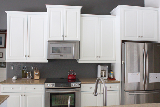 My painted kitchen results one year later