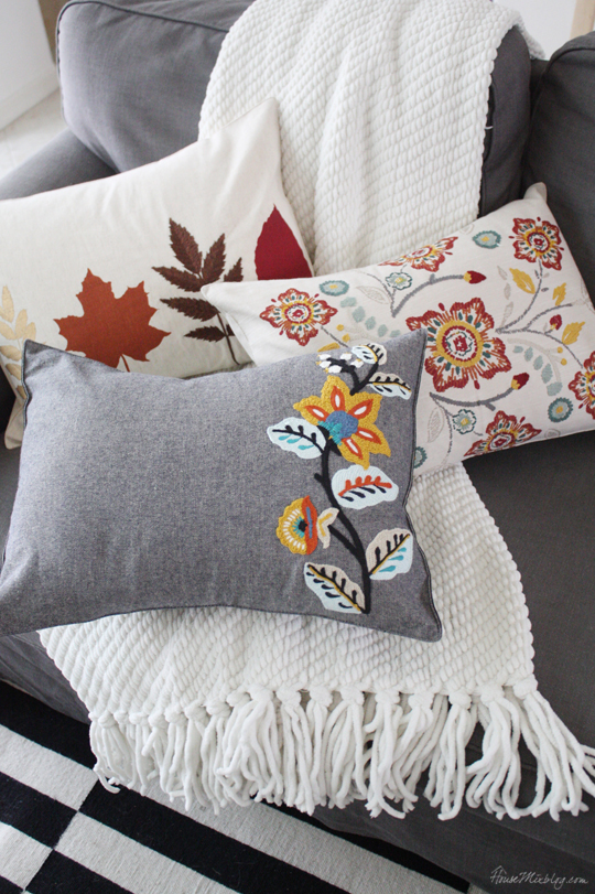 Easy fall pillows out of placemats