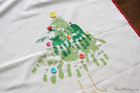 Kids Christmas activities - handprint pillow