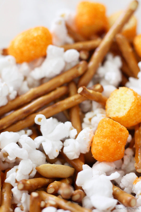 Cheap easy healthy snacks - DIY trail mix