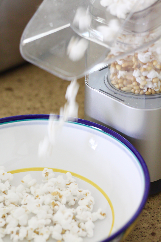 Cheap easy healthy snacks - airpopped popcorn