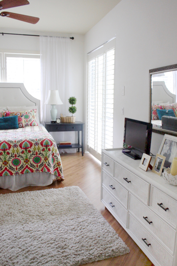 desert-santa-maria-bedspread-with-tobacco-blue-double-wide-nightstands-and-white-walls