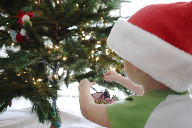 Christmas activities for advent calendar - decorate the tree