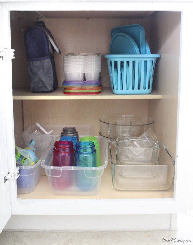 Lunch packing station cabinet