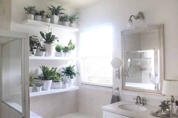 Decorating With White For Bathrooms: Plant Wall In The Bathroom