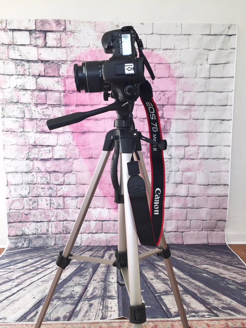 Affordable tripod in home photo studio