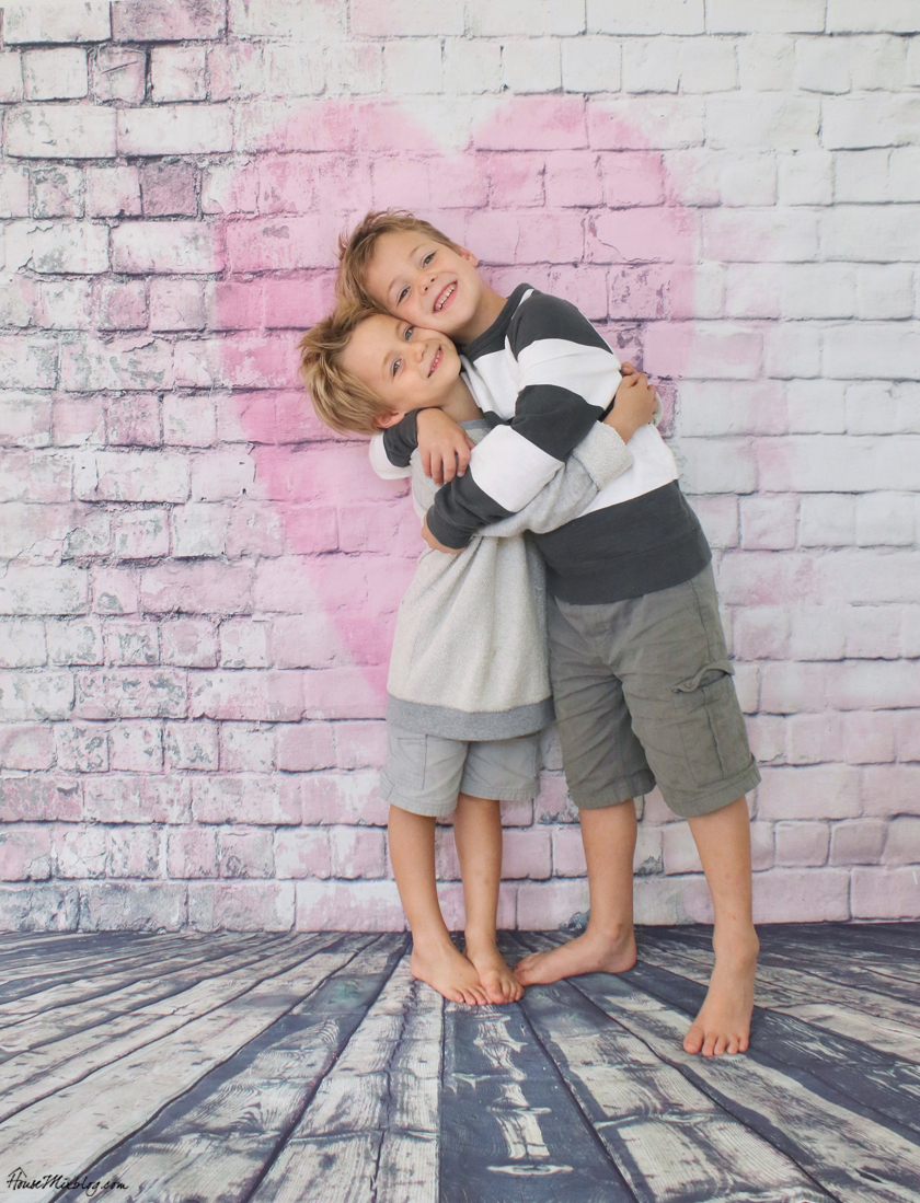 Heart photo backdrop in home photo studio