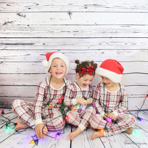 Christmas picture ideas - backdrop pajamas and lights 2