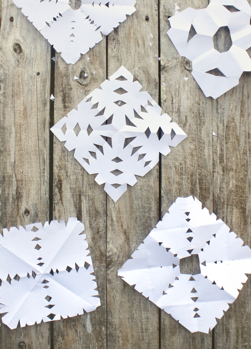 advent activities - make paper snowflakes