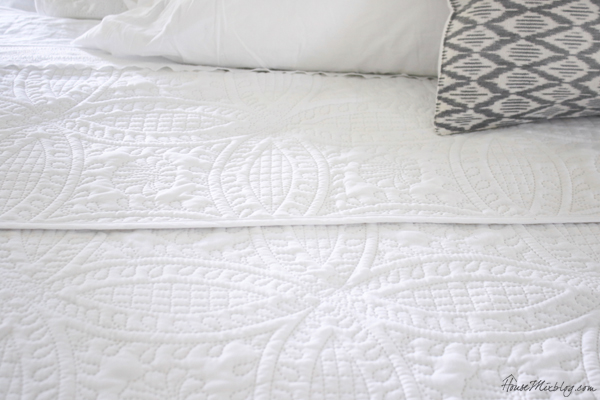 Cheap white bedspread and shams for king bed