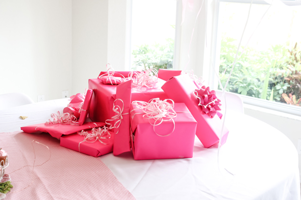 pink party gifts