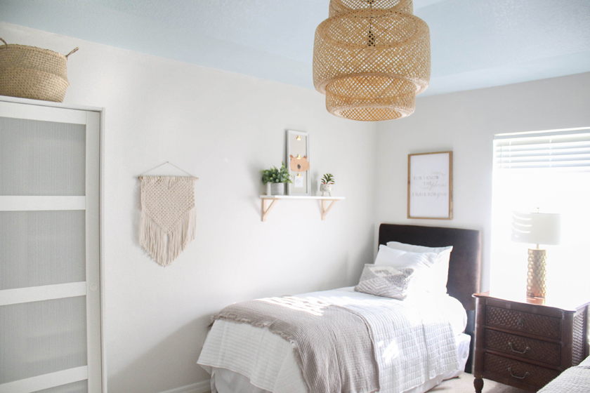 Neutral Guest Room With Twin Beds Blue Ceiling House Mix