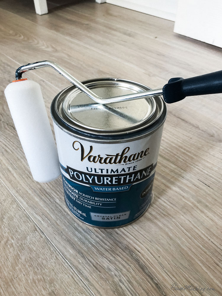 How to seal wallpaper