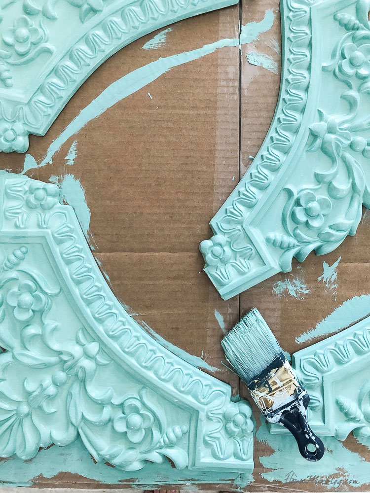 painted moulding to frame a mural