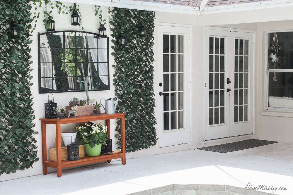 Patio, pool and lanai decor ideas on a budget-blank outdoor wall solutions and white french doors