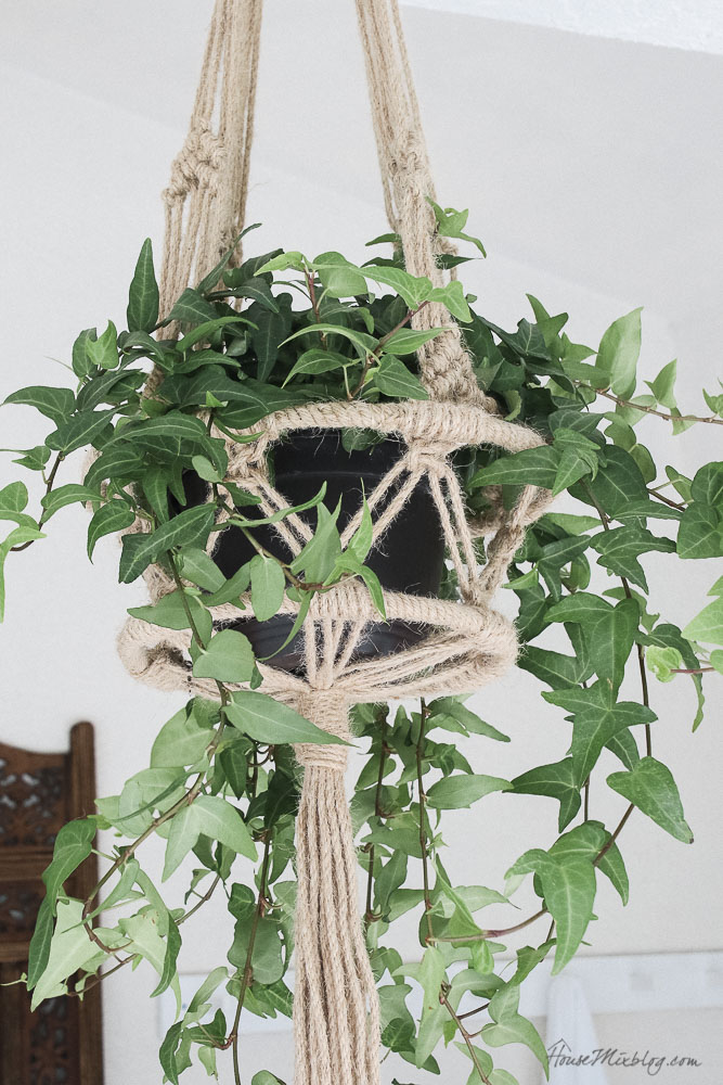 Patio, pool and lanai decor ideas on a budget-macrame plant hanger