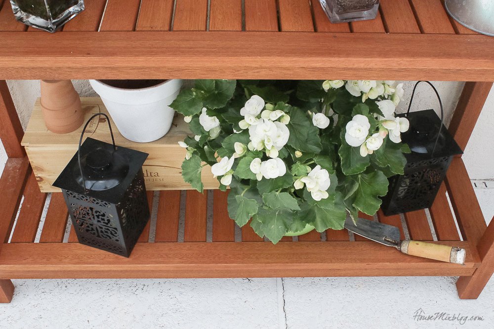 Patio, pool and lanai decor ideas on a budget-potting table styling
