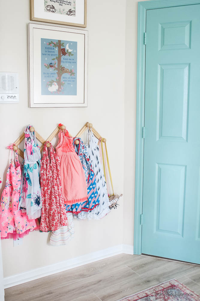 accordion hook rack for little girls dresses instead of hangers