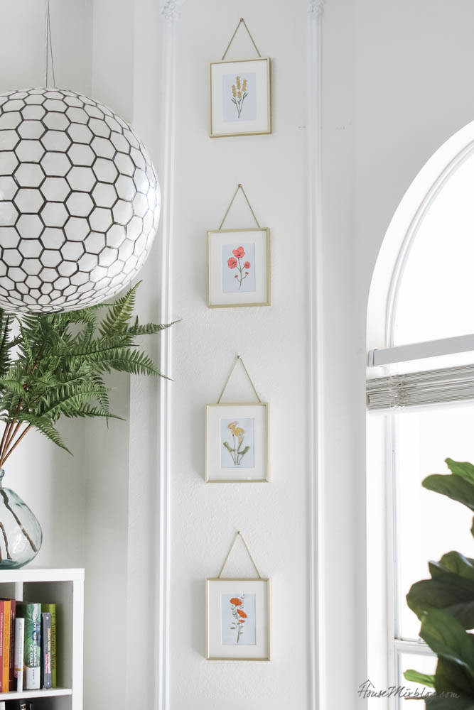 Easy DIY art - free printables - acrylic paint - gold frames with gold upholstry nails - how to hange a photo with a string