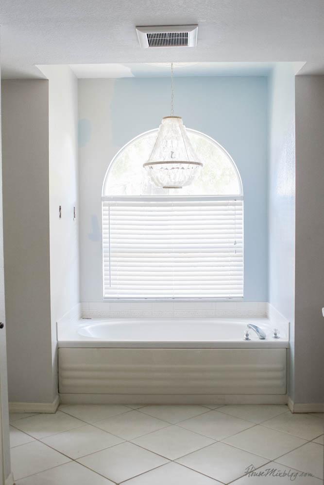 Master bathroom bathtub before paint