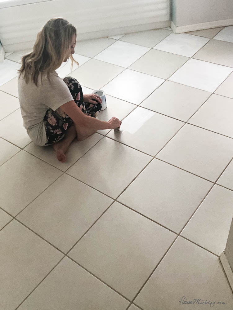How to paint floor tile and grout