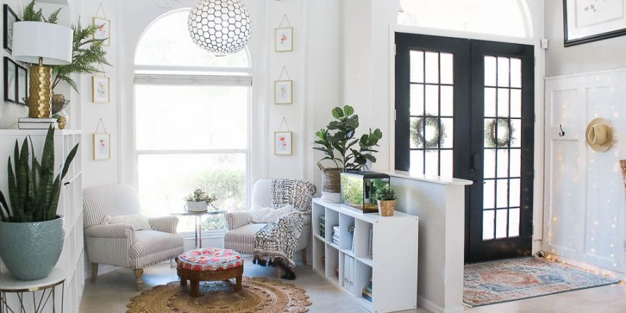 White reading nook with Ikea shelves