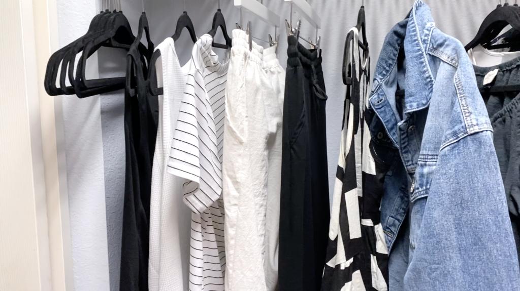 Organizing the closet, wardrobe capsules
