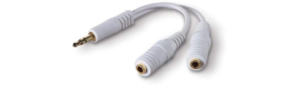 travel hacks - headphone splitter