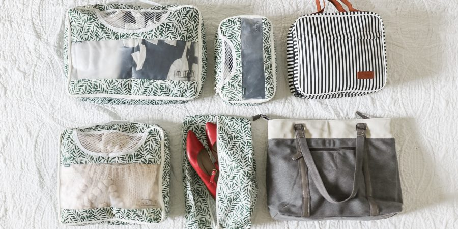 Packing hacks, travel tips and 2 printable pack checklists